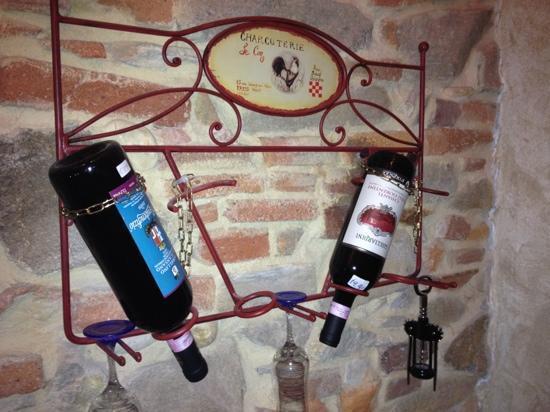 Tangohotel: le bottiglie di vino disponibili in camera(2 prezzi)