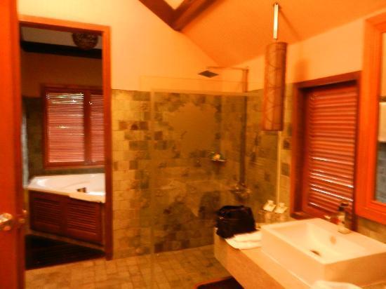 Bunga Raya Island Resort & Spa: bagno