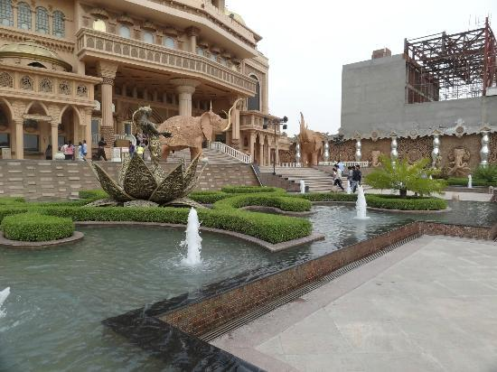 Kingdom of Dreams: water bodies at the kingdom