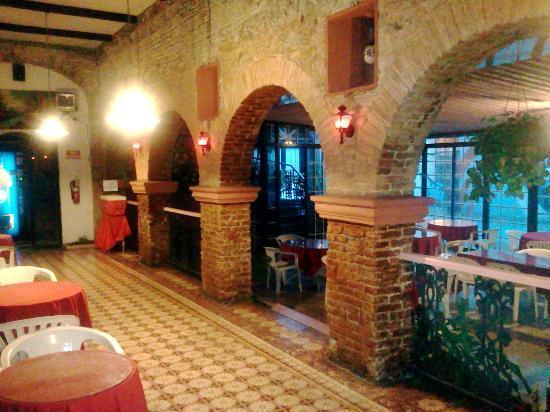 Parador Oasis: Main Hall - Architecture 1862