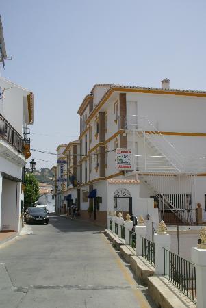 Balcon de Competa Hotel: Hotel straatzijde
