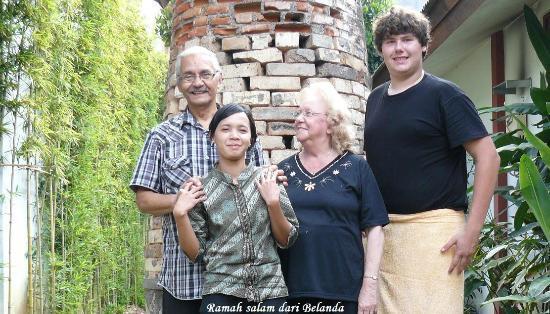 Villa & Family Hotel Gradia: Wij met een lief personeel lid ( midden voor)