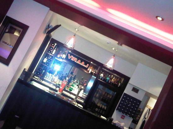 Viraaj Restaurant : bar