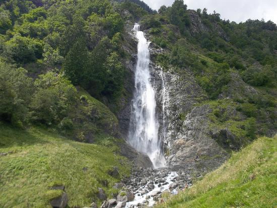 Parcines Waterfall