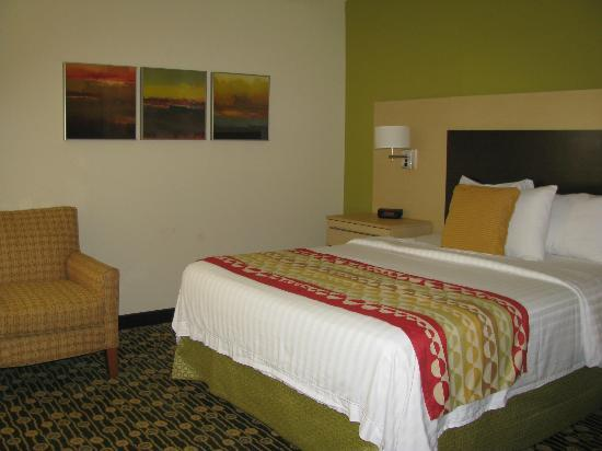 TownePlace Suites Republic Airport Long Island/Farmingdale: Bedroom