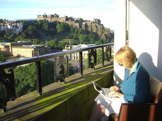Mercure Edinburgh City - Princes Street Hotel: Fabulous view of a fabulus city