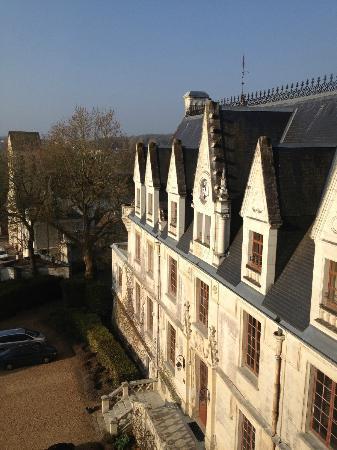 Le Chateau de Reignac : Vista do quarto