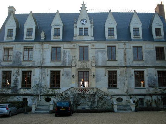 Le Chateau de Reignac: Frente do chateau