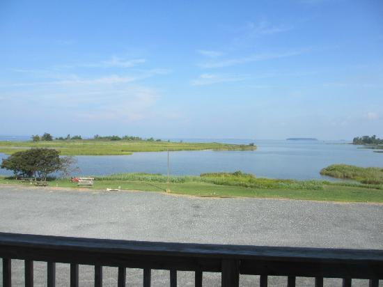 Knapp's Narrows Marina & Inn: View from our balcony
