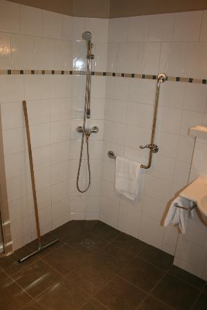 Hotel Les Esclargies: Salle de bains