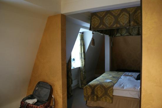 The Kings Hotel: Attic Room