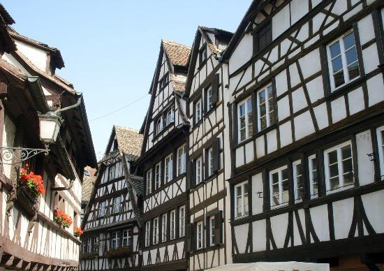 Mercure Strasbourg Centre Petite France : Restaurants nearby