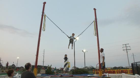 Paradise Fun Park : Bungee trampoline for extra high jumping