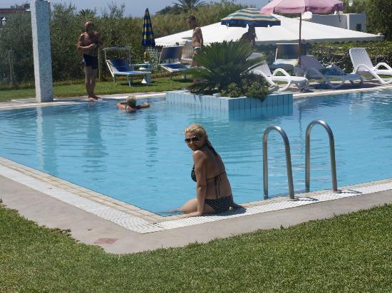 Hotel Corona- Italy Ischia: бассейн