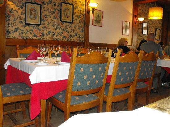 Restaurante Marisquería Fornos: COMEDOR