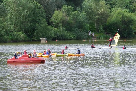 Center Parcs Longleat Forest: Canoe capers