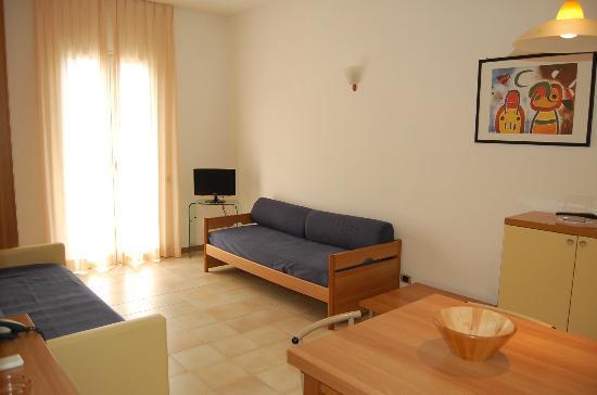 Riviera Residence: divano letto