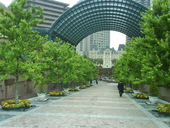 Beer Station Plaza - Picture of Beer Station Yebisu Garden Place ...