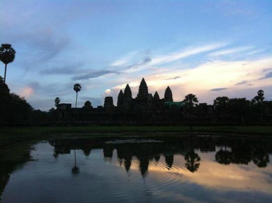 Cambodia Angkor Wat Day Tours: Angkor with Cambodia Angkor Wat Private Tour