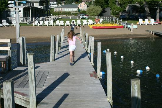 Golden Sands Resort on Lake George: Having fun on the docks