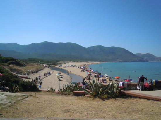 Fluminimaggiore, Italia: Veduta della spiaggia di Portixeddu