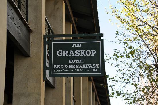 L'enseigne du Graskop hotel, pas facile à repérer!