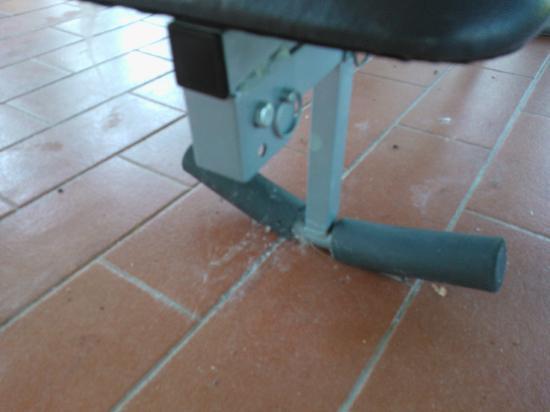 """Hotel Certosa di Maggiano: sporcizia nella """"palestra"""""""