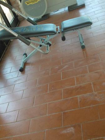 Hotel Certosa di Maggiano: pavimenti sporchi