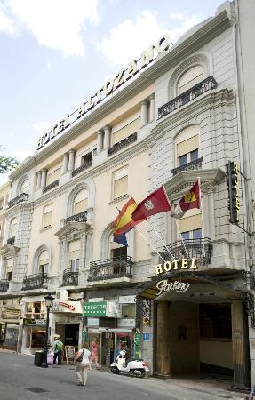 Hotel Altozano: Fachada del Hotel