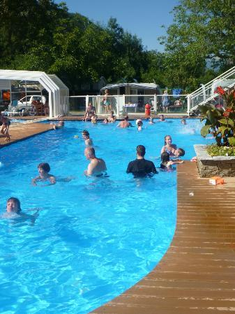 Camping les Fontaines: The main pool