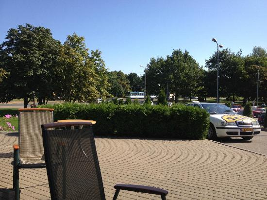 Bellevue  Park Hotel Riga: View from outside the hotel where we enjoyed our morning coffee :)