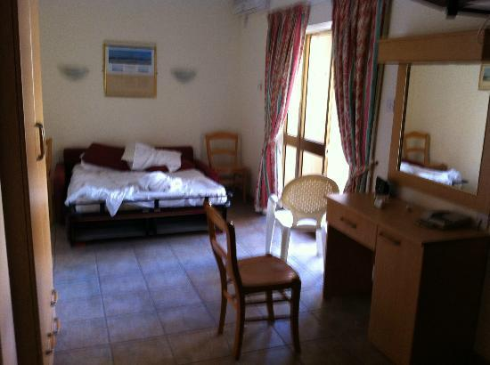 Clover Holiday Complex: seconda stanza con divano letto