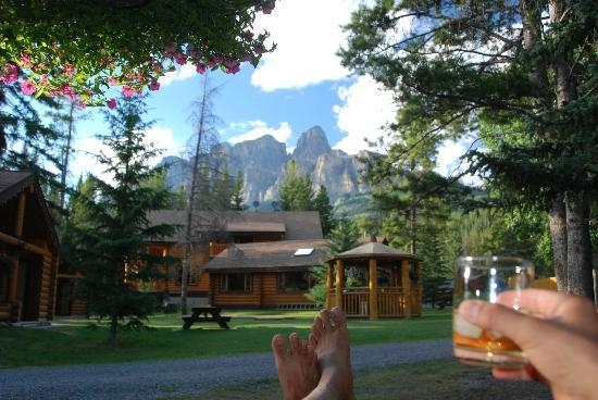 Castle Mountain Chalets: View from porch, my evening relaxation time