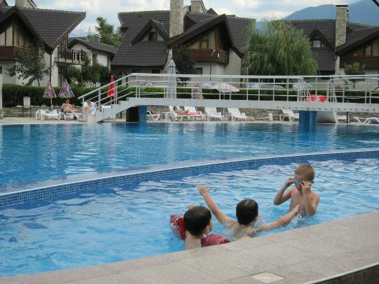 Redenka Palace: Outdoor pools