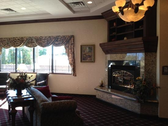 Best Western Plus Flathead Lake Inn and Suites : the comfortable lobby!