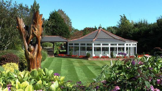 Rookery Manor: Delightful functions / wedding facility amongst beautiful gardens