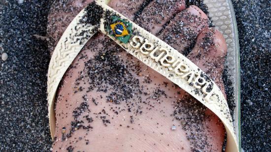 ميدترينيان رويال: Sable noir de la plage 