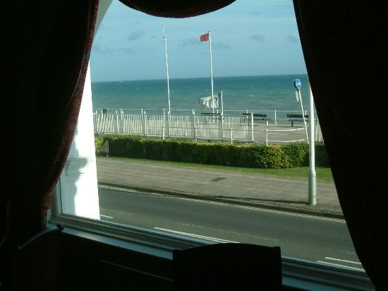 Royal Victoria Hotel: View from restaurant