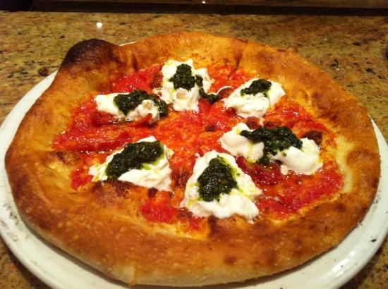 Fireside Pies - Grapevine : Burrata Mozzarella Pie