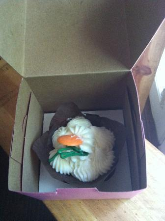 Oh La' La' Cupcakes : Cupcake packaged