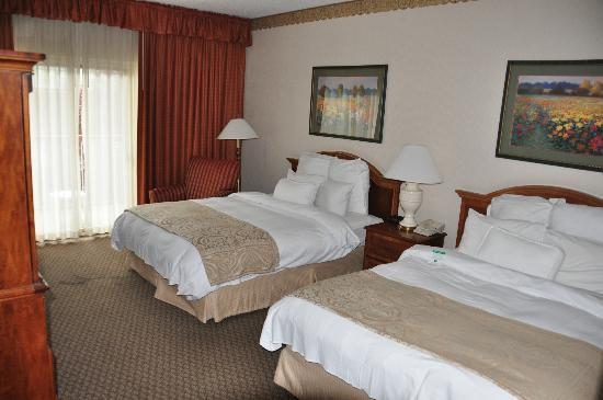 Quail Hollow Resort, A Trademark Collection Hotel: My room