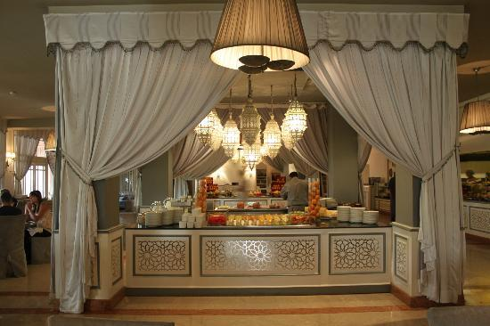buffet petit d jeuner picture of sofitel marrakech. Black Bedroom Furniture Sets. Home Design Ideas