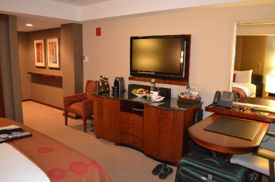 Battery Wharf Hotel, Boston Waterfront: Remainder of the room