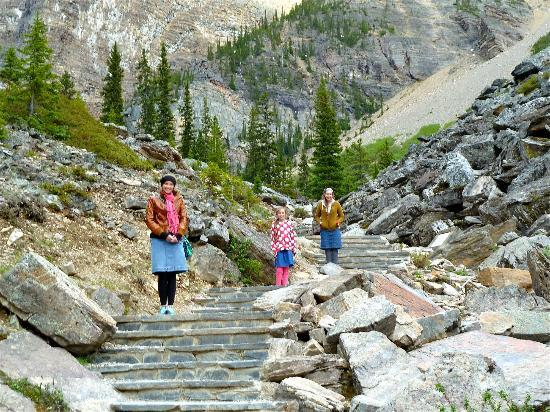 Moraine Lake: Steps on Trail leading to top of rock pile to right