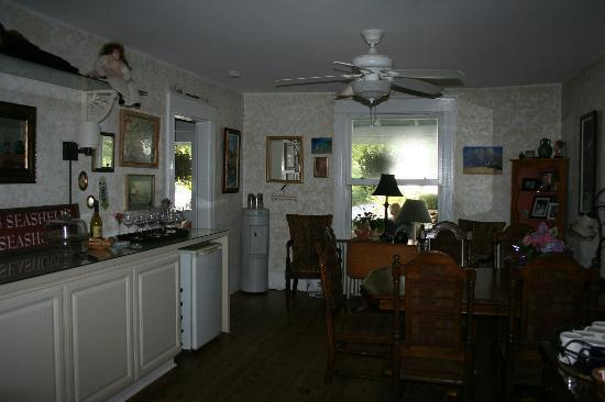 At Melissa's B & B: Breakfast Dining Room