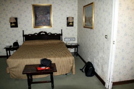 Hotel Palacio de Valderrabanos: Dormitorio hab127