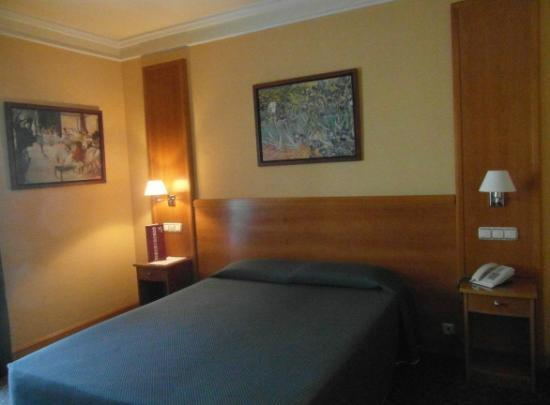 hotel Torreluz Senior - la habitación
