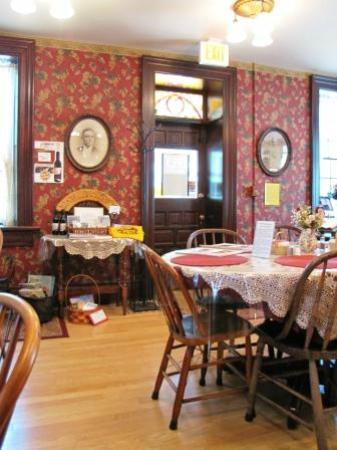 Trail Days Cafe & Museum: Main Dining Area