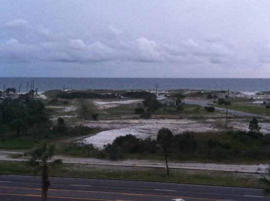 Emerald Coast Inn & Suites: Standing from the 6th floor, across HW98.