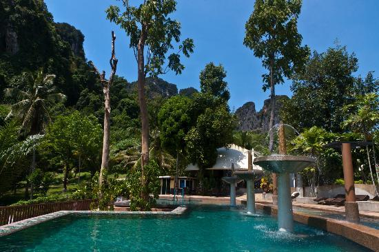 Arawan Krabi Beach Resort: Hotel Pools